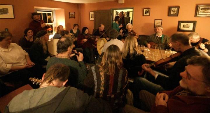 Folk Club 2
